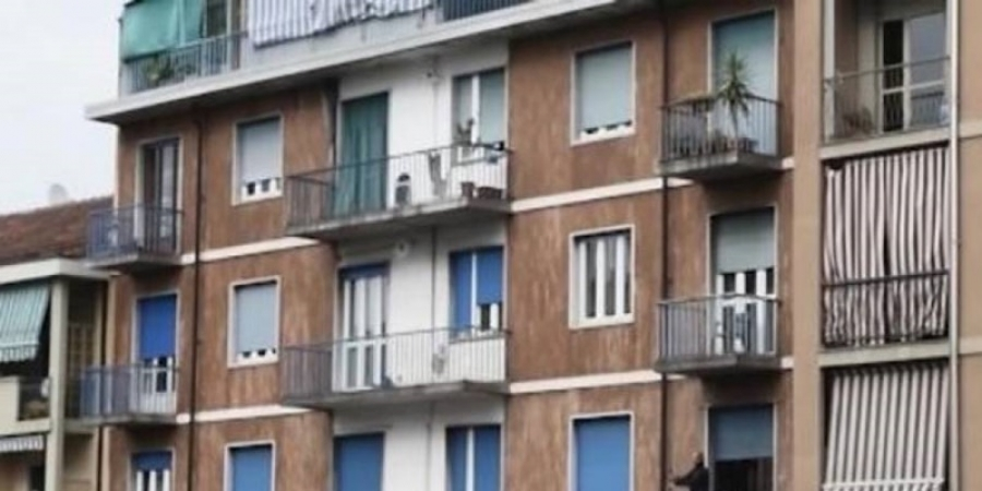 S-a îmbătat și a căzut de la balcon. Român spitalizat la Treviso