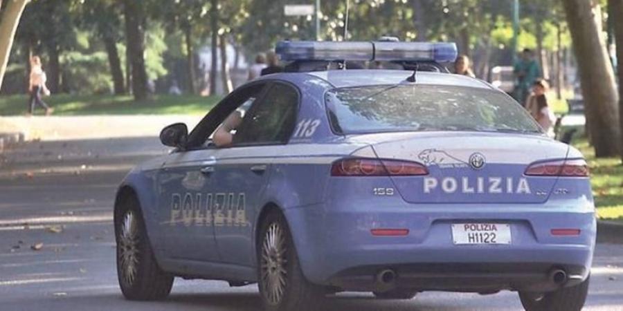 Dosar penal pentru cinci români din Italia. În plină pandemie de coronavirus au ieșit să joace fotbal