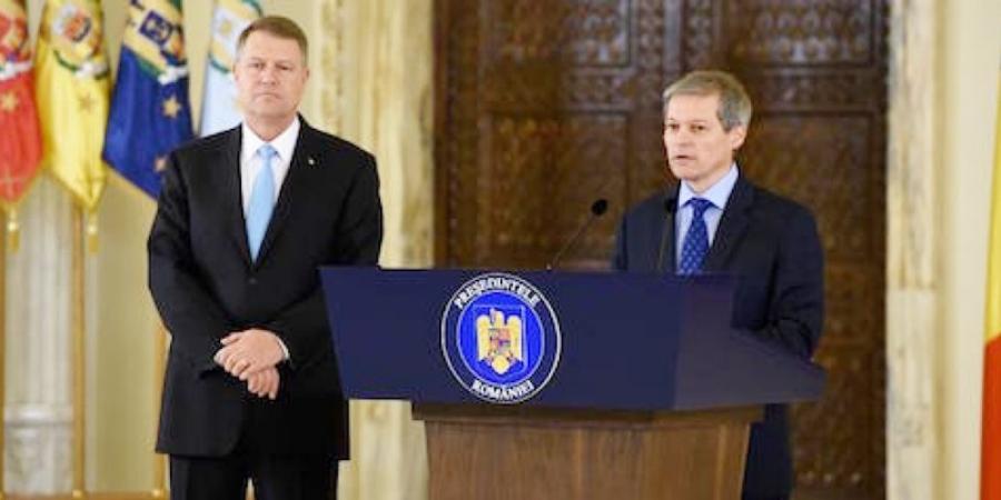 """SONDAJ ALEGERI PREZIDENŢIALE. Dragnea UMILIT de Tăriceanu. Pe cine preferă MASIV votanţii """"de dreapta"""" între Iohannis şi Cioloş"""
