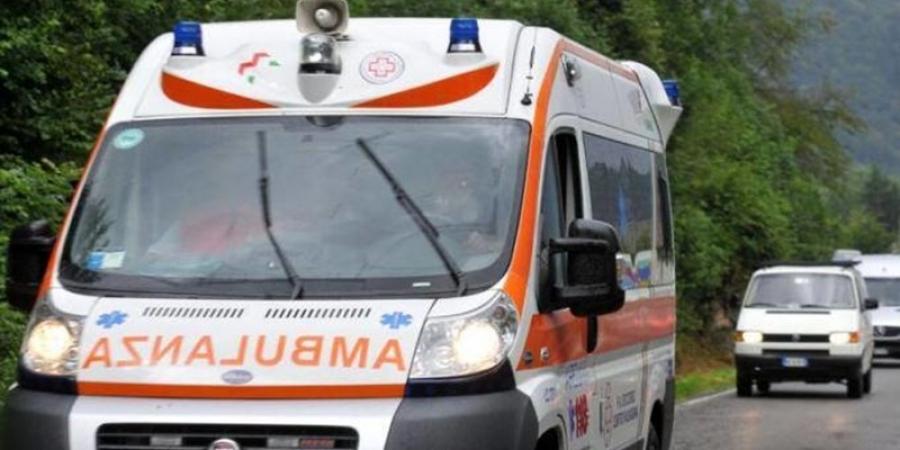 A încercat să se sinucidă cu medicamente. Badantă româncă salvată de bătrânul pe care îl îngrijea