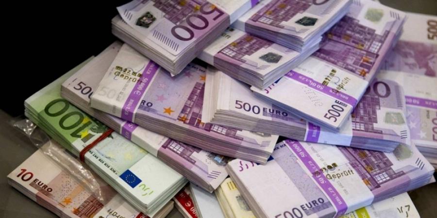 Ce se întâmplă cu legea care îi obligă pe românii din Diaspora să justifice sumele de peste 2.000 de euro trimise în ţară