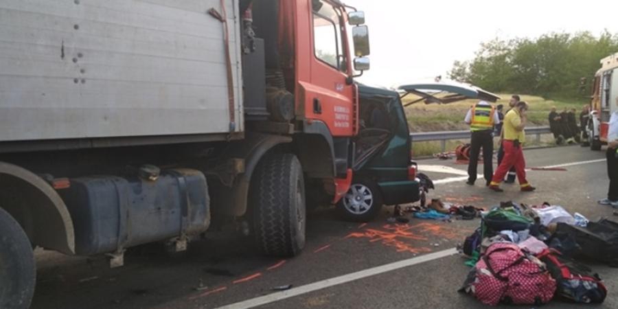 Microbuz românesc implicat într-un grav accident în Ungaria. Nouă persoane au decedat